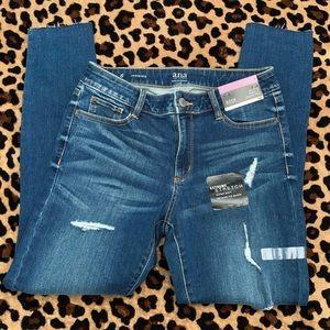 NWT a.n.a Jeans Sz 6